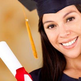 Beglaubigte Übersetzung von Abiturzeugnissen: Ihr Abiturzeugnis, übersetzt und beglaubigt von SL·Translations, ebnet Ihnen den Weg zu Ihrem Bachelor, Master oder Diplom nach einem erfolgreichen Auslandsstudium